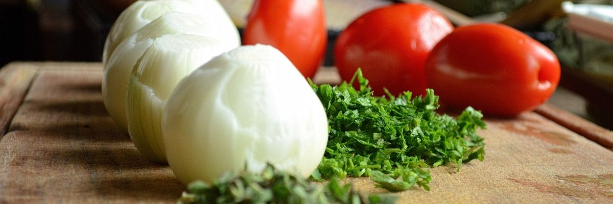food_organic_fresh_healthy_organic_food_nutritious_eating_tomato-1177257 (1)